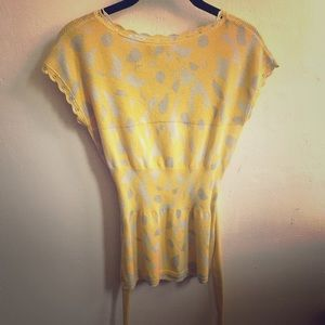Moth yellow and cream short sleeve top w/belt s M